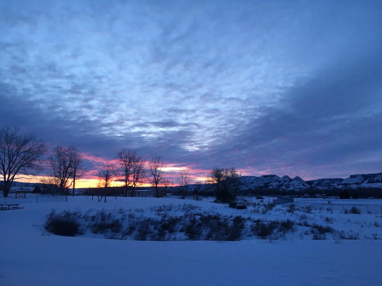 North Dakota winter sunrise | Midwest winter gear