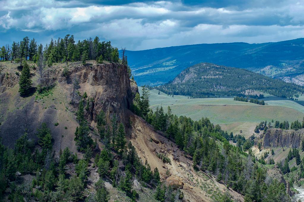Yellowstone National Park | 4 Day Yellowstone Itinerary
