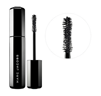 A review of the Marc Jacobs Velvet Noir Mascara | GlamKaren.com