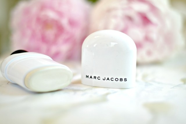 Marc Jacobs Glow Stick Illuminator & (seriously) Why you need it | GlamKaren.com