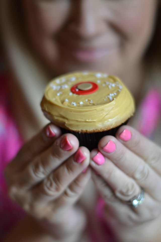 Meet your Favorite Cupcakes: Cute Cupcake Gifts   GlamKaren.com