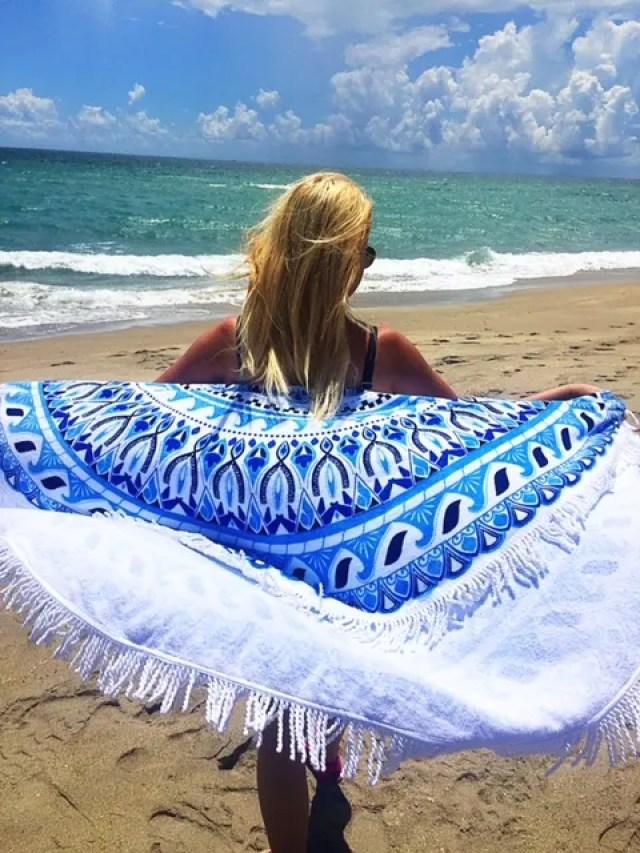 Essentials for your Beach Bag | GlamKaren.com