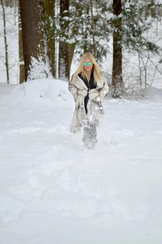 Snowy Day Outfit Inspiration & Ideas | GlamKaren.com