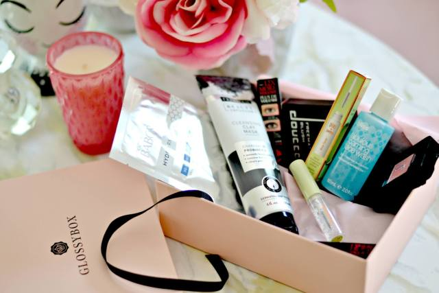 Look Beautiful with the Best Beauty Subscription Box