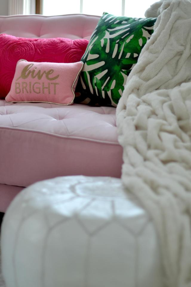 Easiest Ways to Cozy Up a Small Space - (because snuggle!)