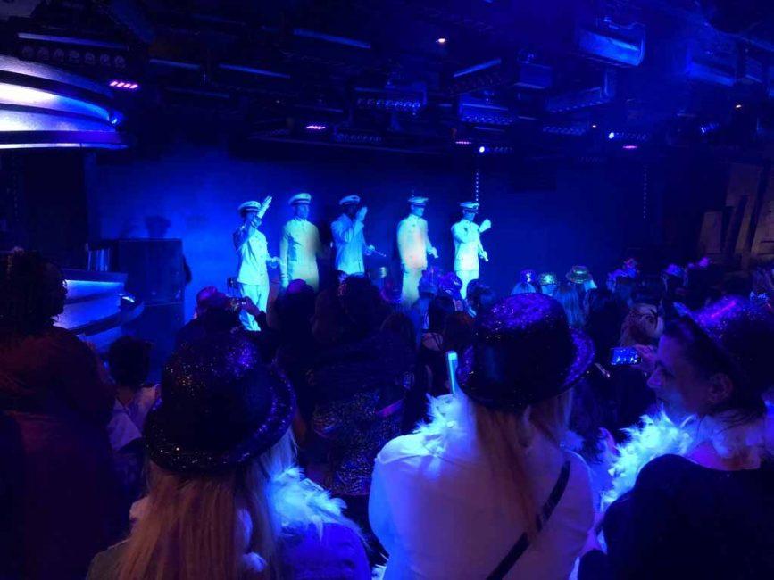 glamour boys chippendales paris