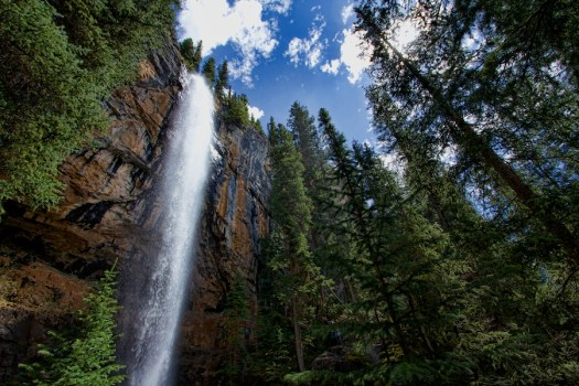 Guides lead hikes to waterfalls and other hidden gems in the area