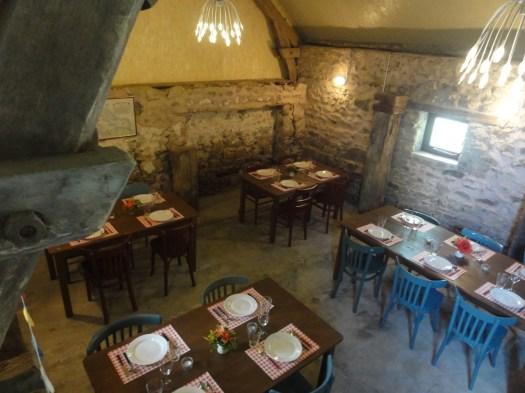 CampingLaChassagne(Ronnet)_restaurantje