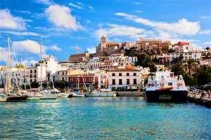 Vacanze last minute Ibiza: 5 motivi per cui andarci