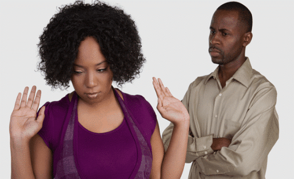 5 Sure Signs Your Spouse is a Financial Risk