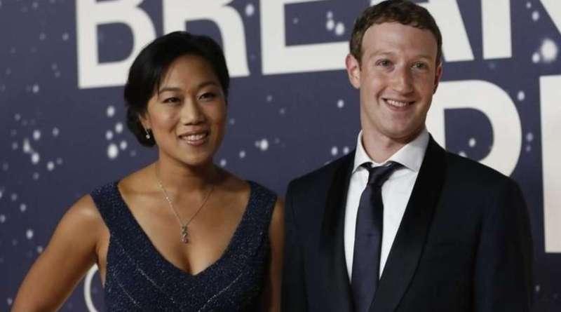 Ex-Staff Sue Mark Zuckerberg