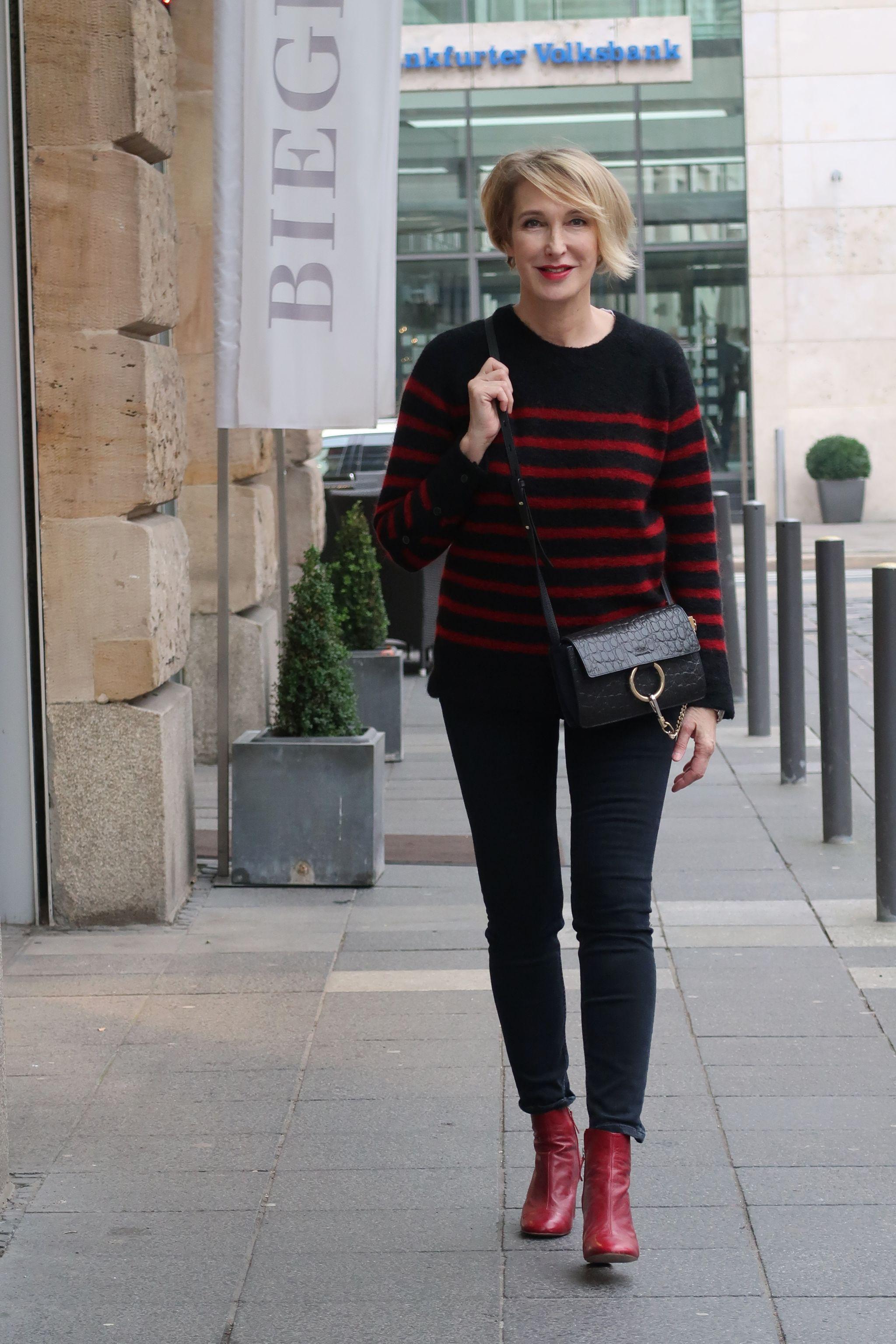 glamupyourlifestyle Streifenpullover Ringelpulli gestreiftes-Shirt Skinny-Jeans rote-Stiefeletten ue40-Mode ue40-Blog