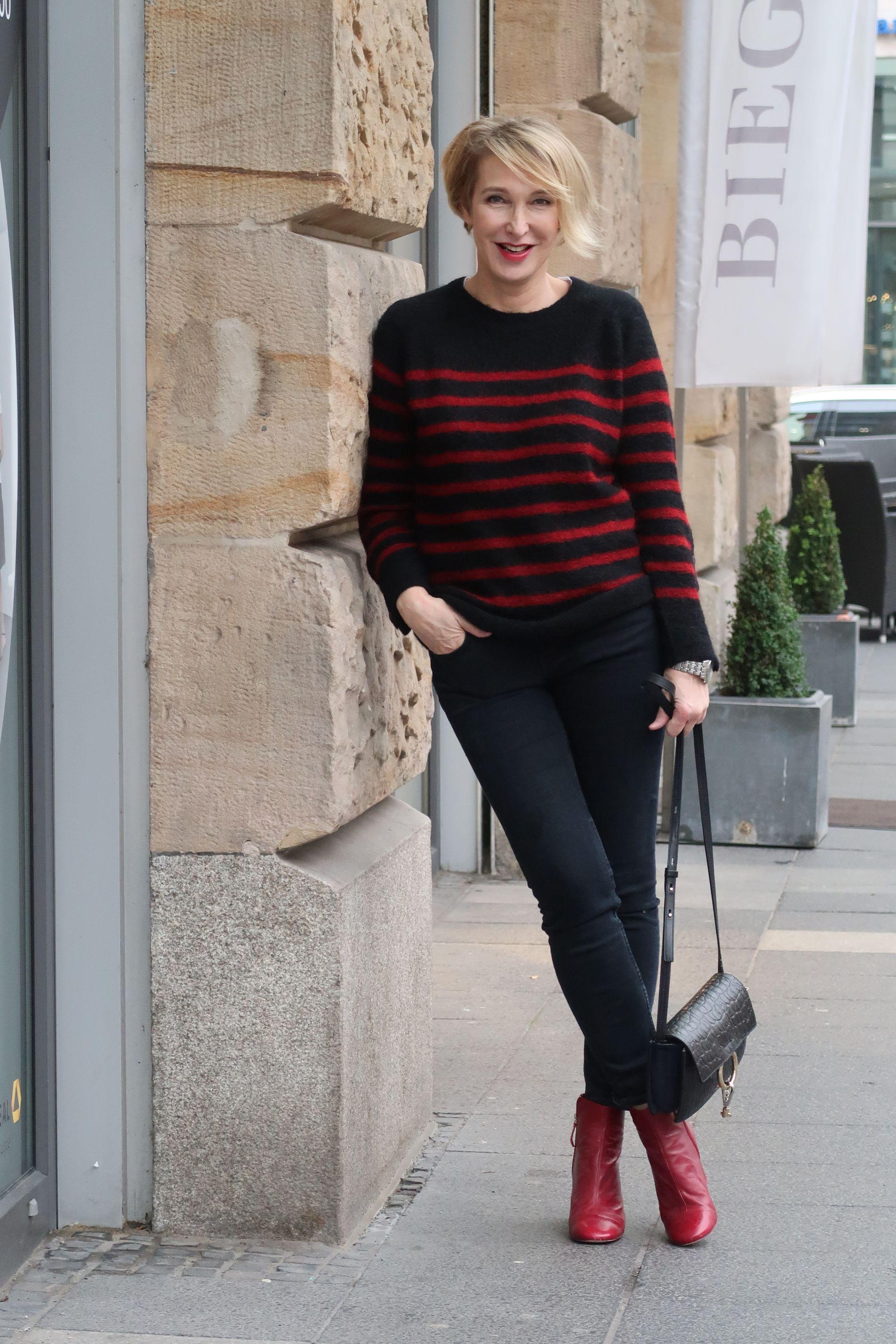glamupyourlifestyle Streifenpullover Ringelpulli gestreiftes-Shirt Skinny-Jeans rote-Stieifeletten ue40-Mode ue40-Blog
