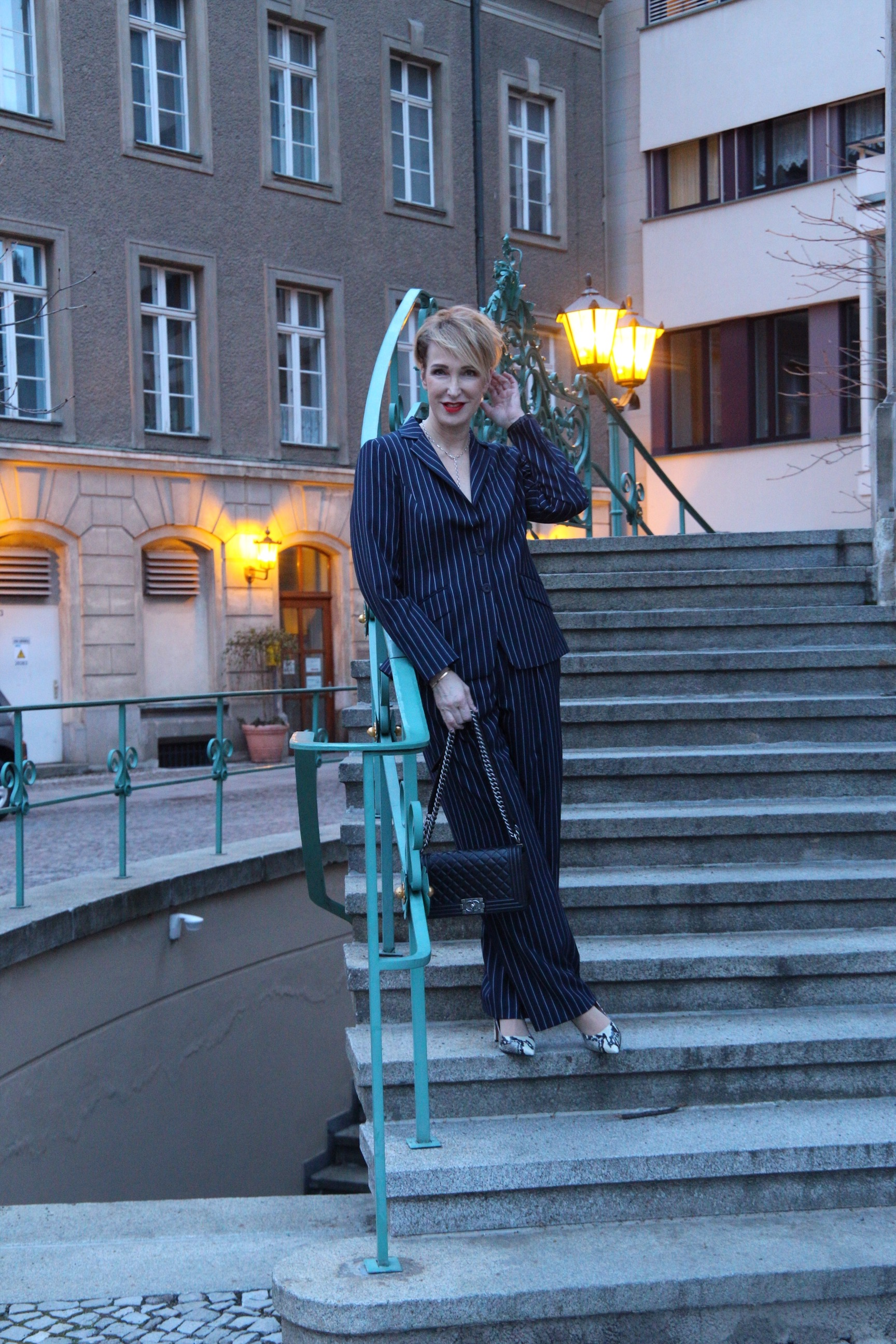 glamupyourlifestyle Nadelstreifen Hosenanzug Nadelstreifenanzug Damenanzug Berlinale-2019 Ü-40-Blog ue-50-Blog ue-40-Blog ü-50-blog