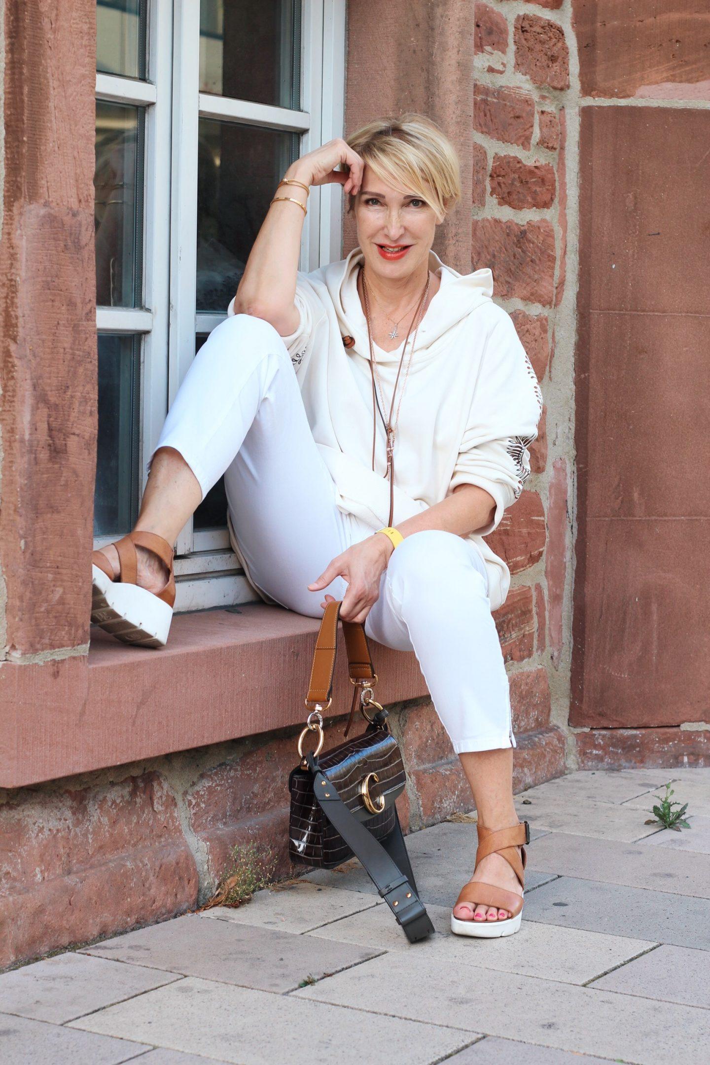 glamupyourlifestyle übergangsschuhe sneaker hoodie Dorothee-Schumacher ü-40-blog ue-50-blog ue-40-blog
