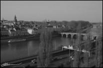 Vue du bout du monde, sur le quartier de la Doutre, Angers, mars 2003