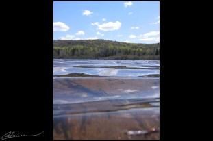 Waterlevel. (Lac Bellemare, Saint-Mathieu, mai 2004.)