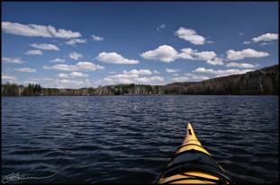 Kayak de lac. (St-Mathieu-du-Parc, Québec, mai 2009)