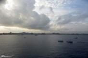 L'arrivée à Grand Cayman. Le bateau sera à l'ancre, et non pas accosté.