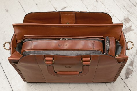 Hand-burnished-espresso-Day-Tote;-17-x-12-x-6-topdown2