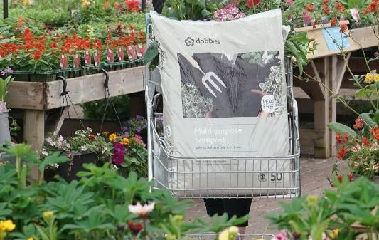 Dobbies in UK-First with own brand John Innes peat-free compost_high res_1