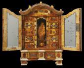 Photo: amber treasures of poland.
