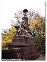 <h5>Statue Kelvin Way</h5>