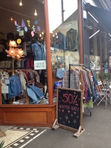 <h5>Glasgow Vintage shop, Gt Western Rd</h5>