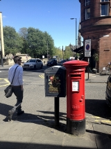 <h5>Kelvinbridge, Red Post box</h5>