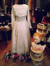 vintage guru wedding dress