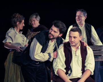 rabbie captivate theatre