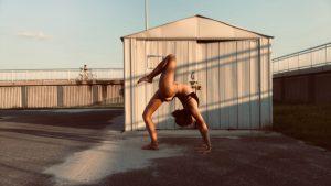 gymnast yoga outside sav
