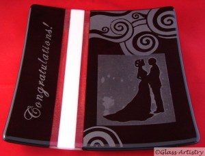 Kiln formed and sandblasted glass plate. Ideal for wedding gift: you can add your special text.
