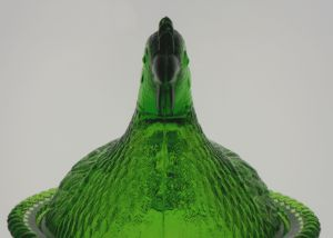 Hen in Emerald Green glass, head straight-on