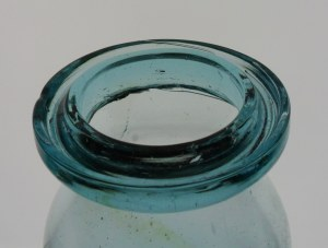 Wax sealer groove ring lip
