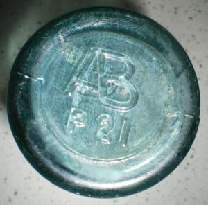 AB bottle base - P 21 (photo courtesy James Turner)