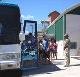 Australia Zoo Bus Loads at station