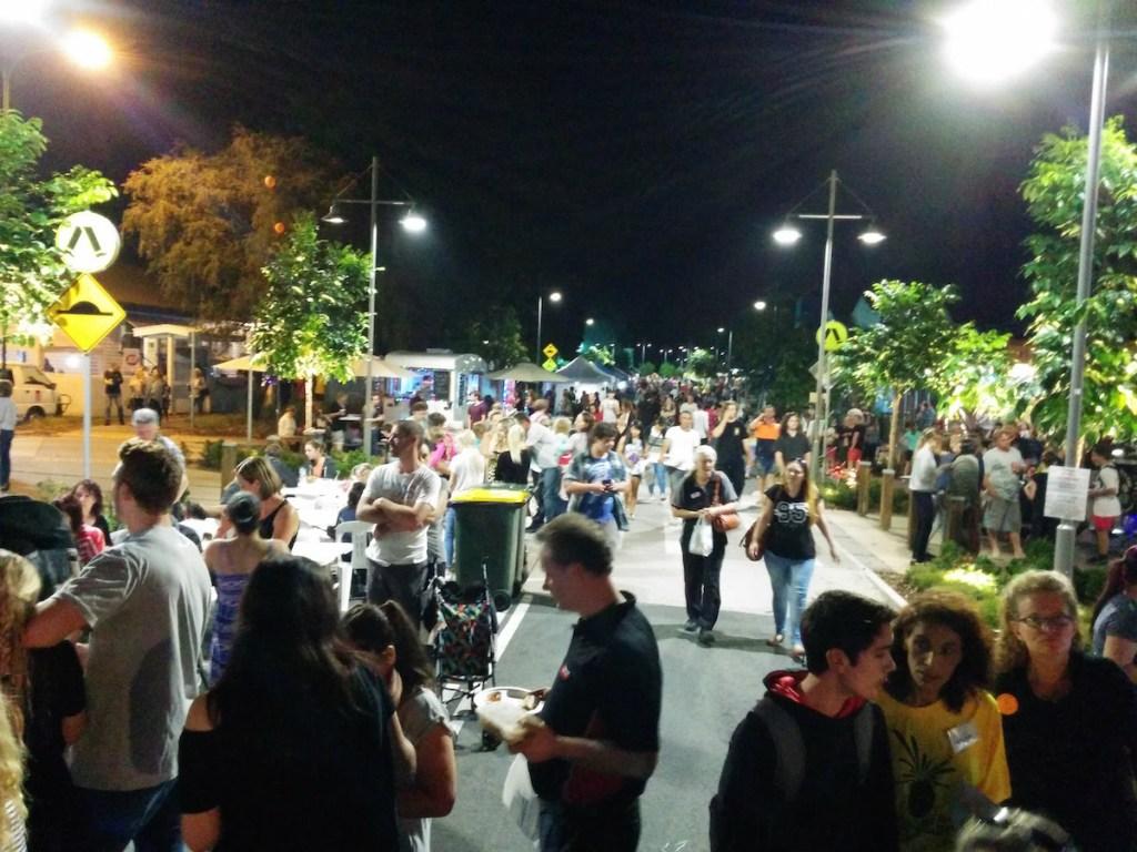 Crowds Beerwah Street Party 2015