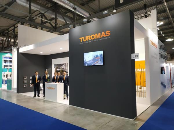 Turomas Vitrum Glass Exhibition
