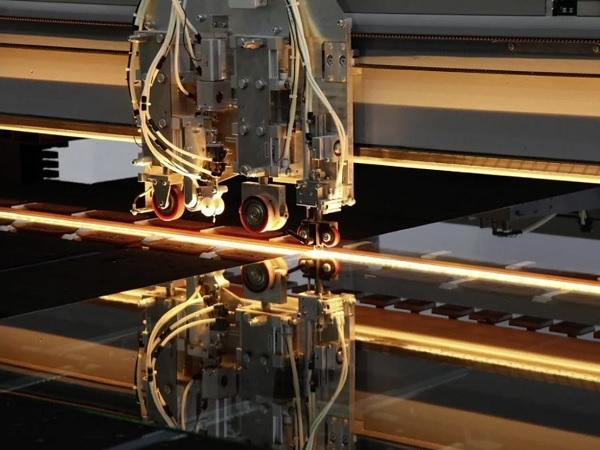 Production affects glass cutting process Lisec