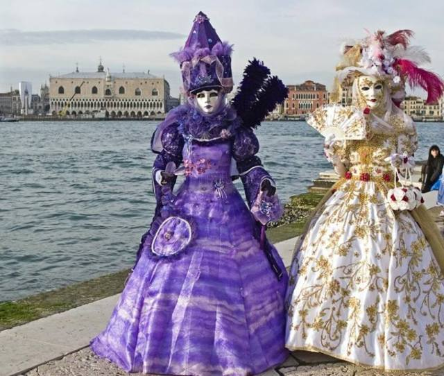 The History And Present Of Venice Carnival Everything About Venice And Murano Glass
