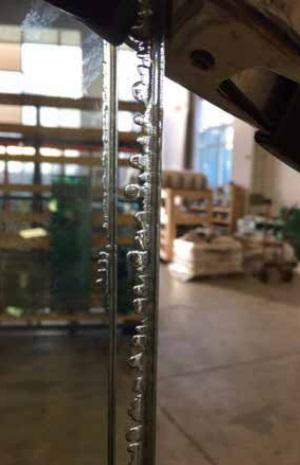 Figure 6 Edge bubbles present after autoclave