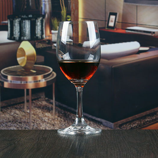 Bulk crystal wine glass