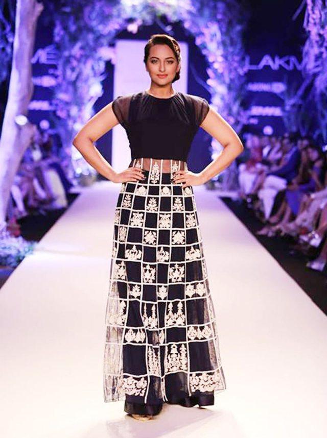 Celebrity Fashion Bollywood Dresses