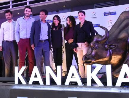Mary Kom unveils bull and girl at Kanakia in Mumbai