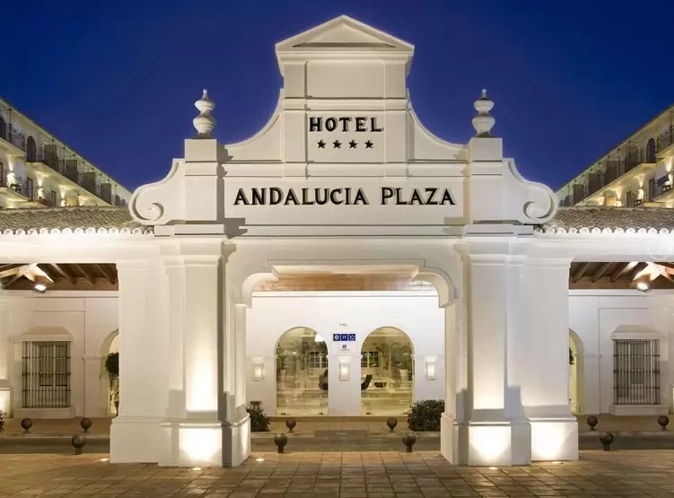 PUERTO BANUS – 4* H10 Andalucia Plaza Golf Holiday & Golf Break Offers