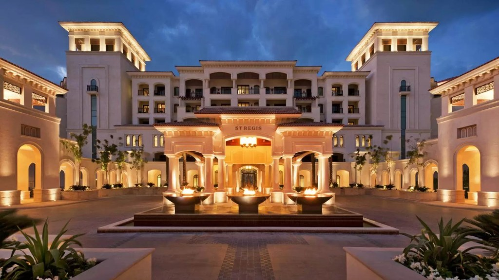 ABU DHABI – 5* The St Regis Saadiyat Island Resort Golf Holiday & Golf Break Offers