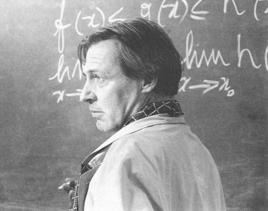 Morte di un matematico napoletano (1992): il genio ribelle 3