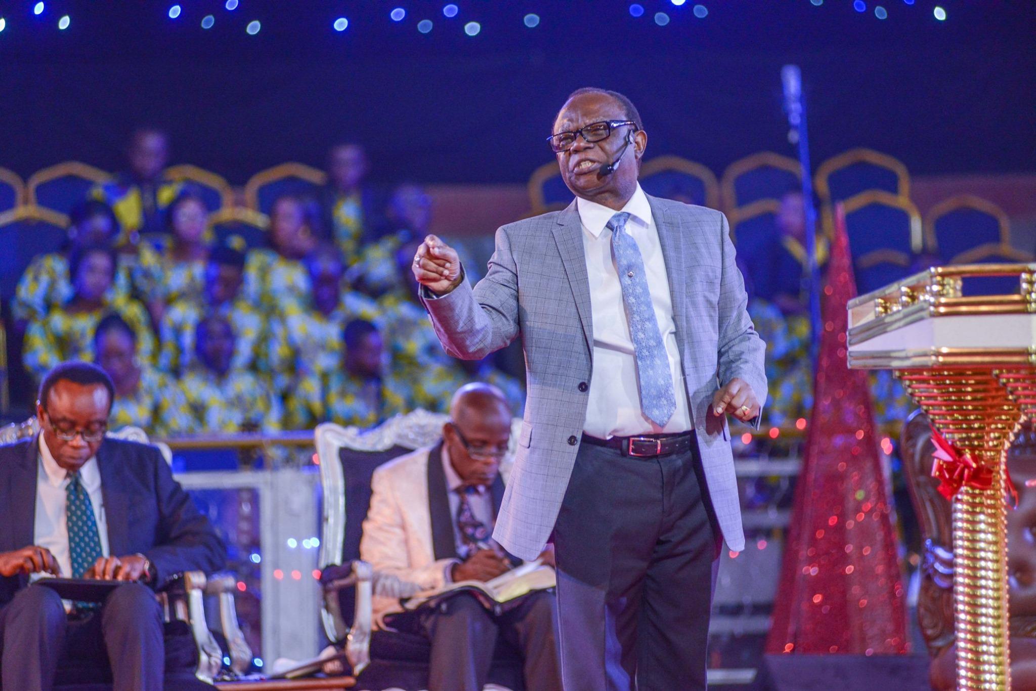 Rev. felix omobude preaching