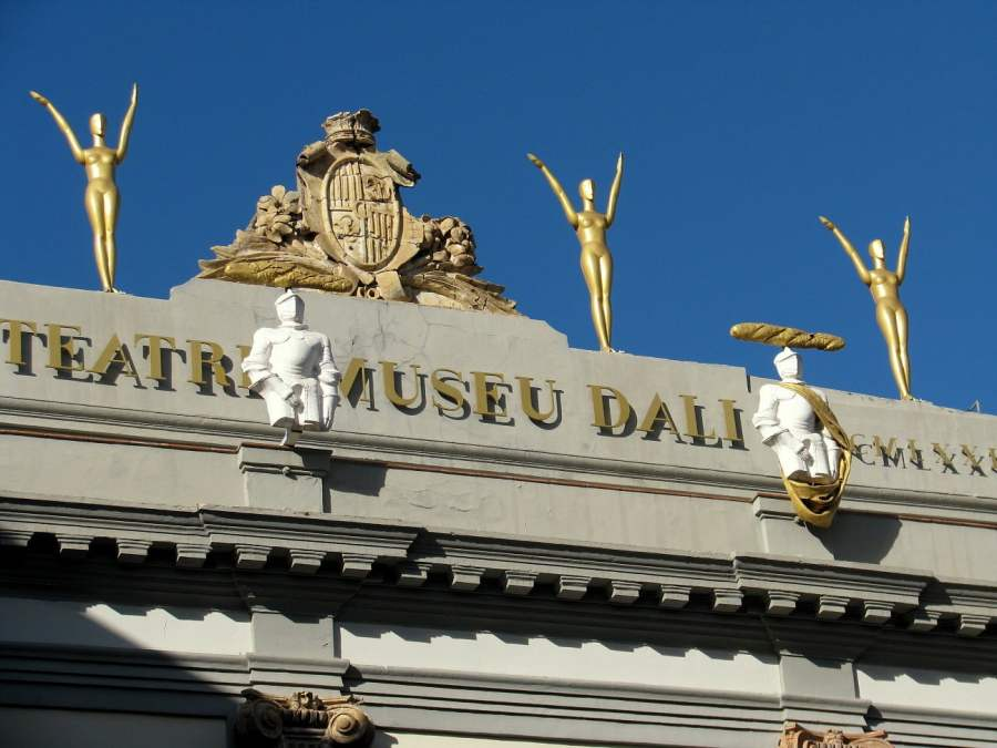Barcelona: OFF TO FIGUERES TO DREAM WITH DALI (6)